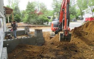 excavating005